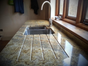 kashmir-gold-granite-worktop-sink-and-drainer-grooves-2.jpg